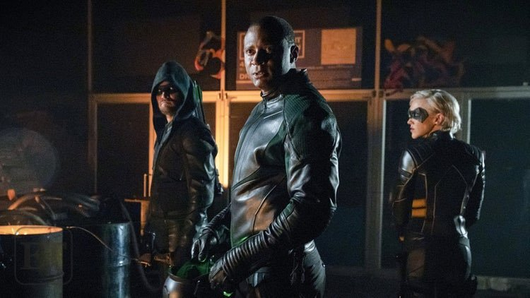 arrow starling city review -green arrow, spartan and black siren