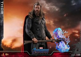 hot toys avengers endgame thor figure - holding stormbreaker