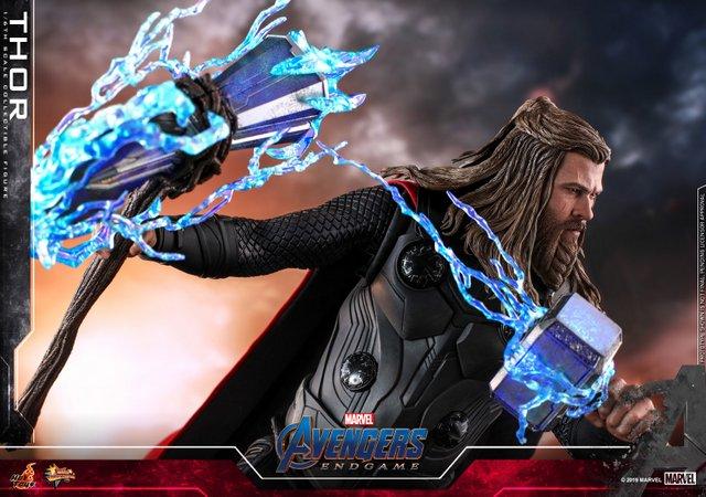 hot toys avengers endgame thor figure - with stormbreaker and mjolnir