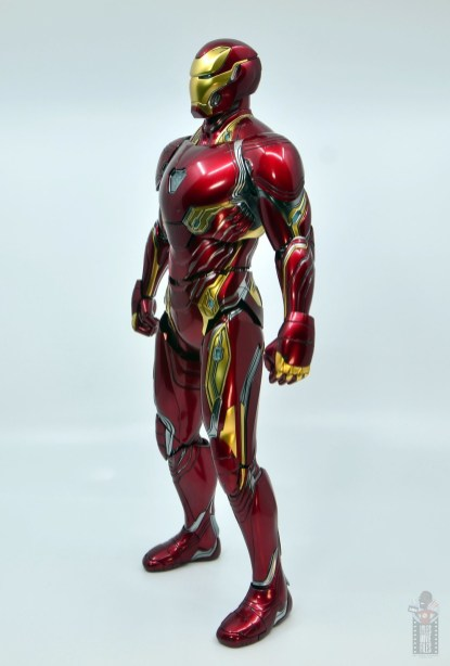 hot toys avengers infinity war iron man figure review - left side