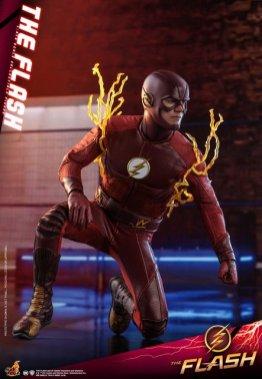 hot toys cw the flash figure - kneeling