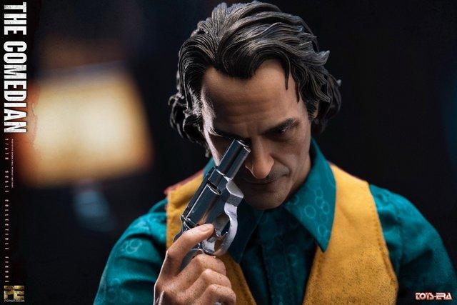 toy era the comedian joker figure - unpainted head with gun