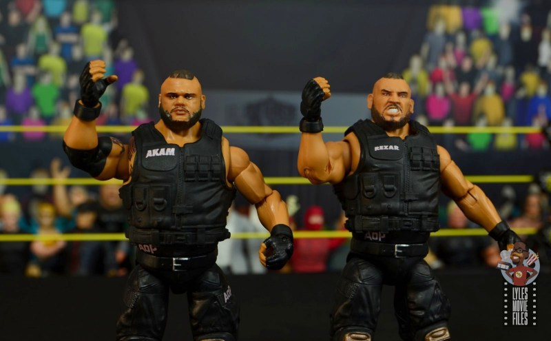 wwe elite authors of pain figure review - arms up