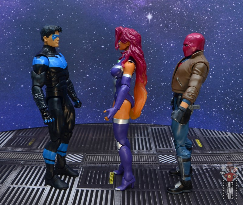 dc multiverse starfire figure review - facing nightwing and red hood