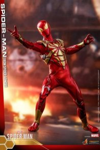 hot toys spider-man iron spider armor figure - no appendages
