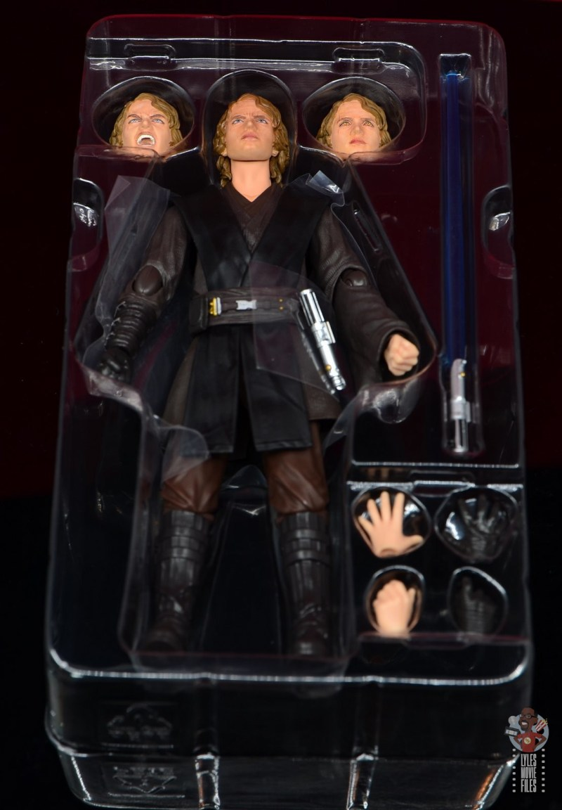 sh figuarts anakin skywalker revenge of the sith figure review -accessories in tray