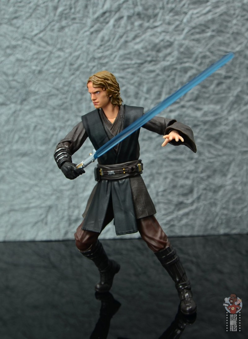 sh figuarts anakin skywalker revenge of the sith figure review - on the move
