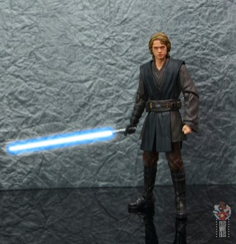 sh figuarts anakin skywalker revenge of the sith figure review -wide shot sith head