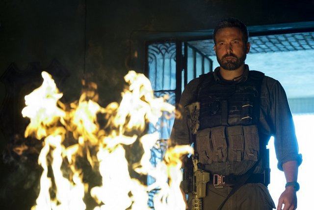 triple frontier movie review - ben affleck