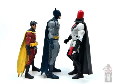 dc multiverse dick grayson batman figure review -facing red robin and red hood