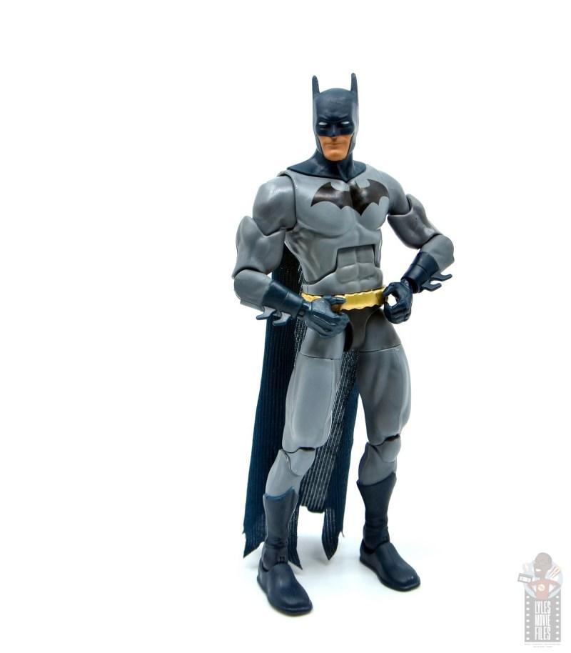dc multiverse dick grayson batman figure review - holding utility belt