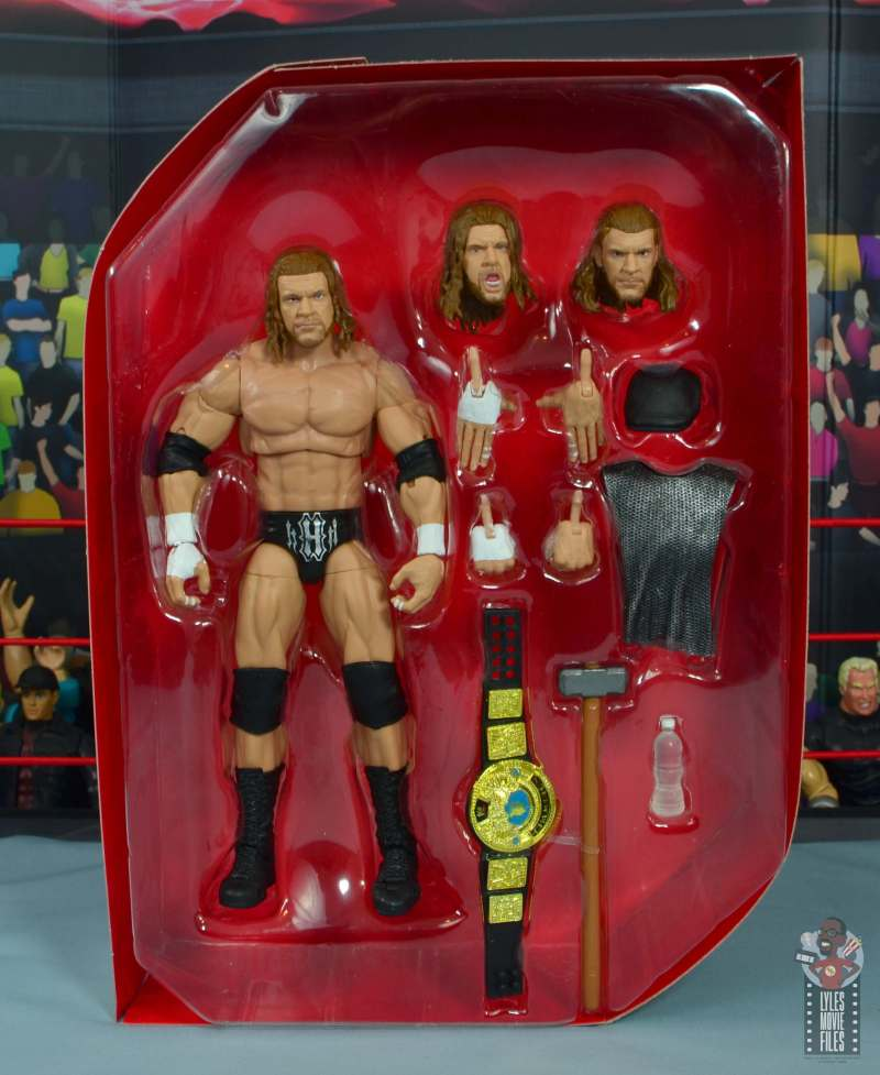 wwe ultimate edition triple h figure review - accessories in inner tray