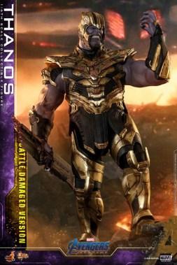 hot toys avengers endgame thanos battle damaged figure - wearing helmet