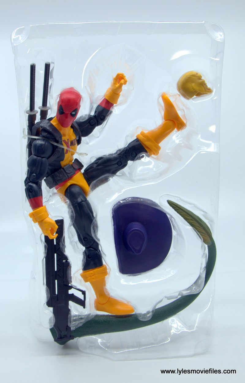 marvel legends deadpool figure review - accessories in tray