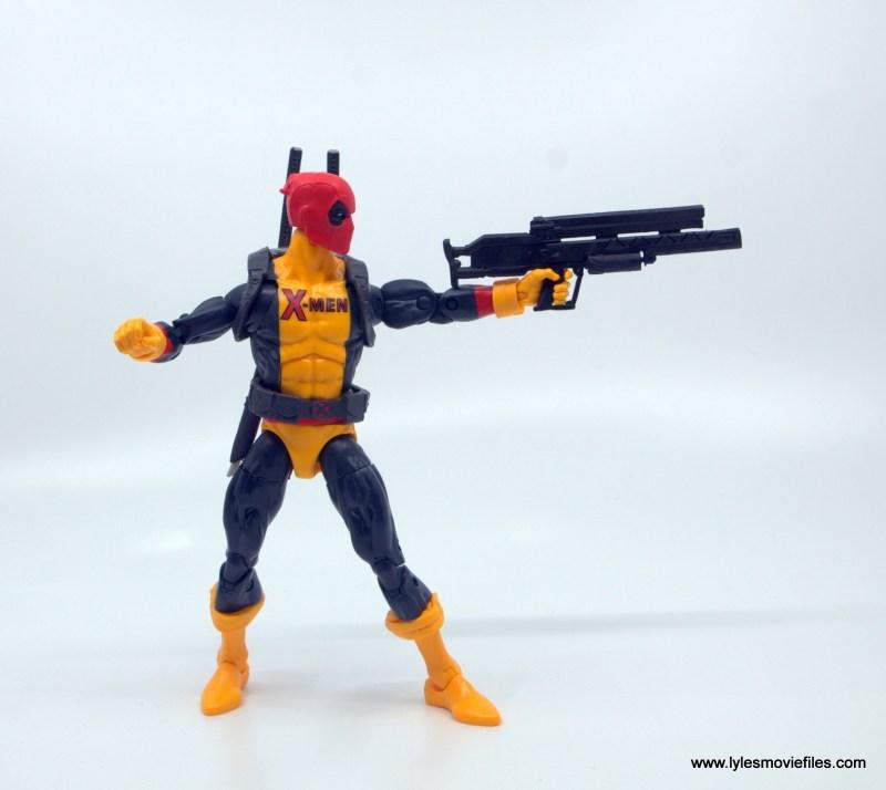 marvel legends deadpool figure review - taking aim