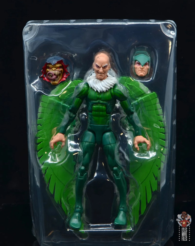 marvel legends vulture figure review - figure in tray with accessories