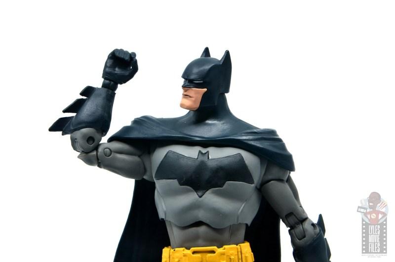 mcfarlane dc multiverse baman figure review - arm articulation