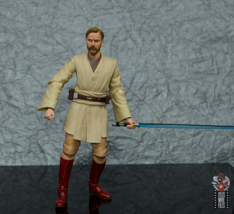 sh figuarts obi-wan kenobi revenge of the sith figure review - holding lightsaber at the ready