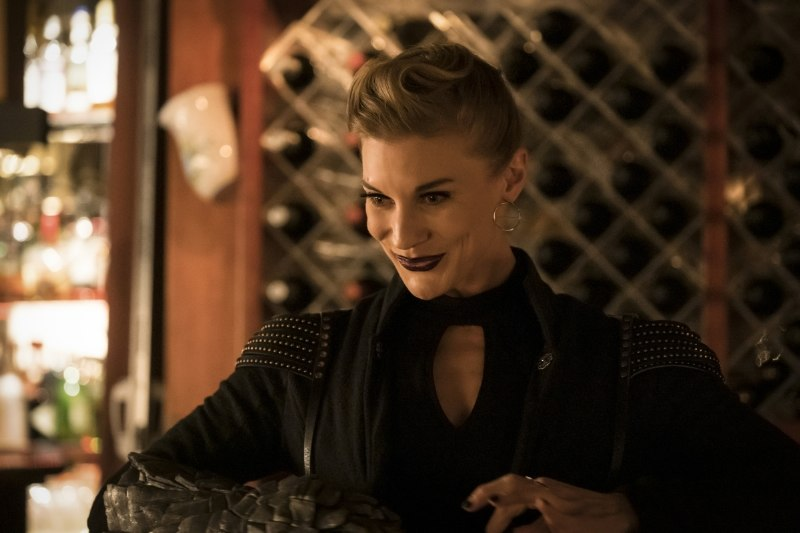 the flash - love is a battlefield review - amunet black