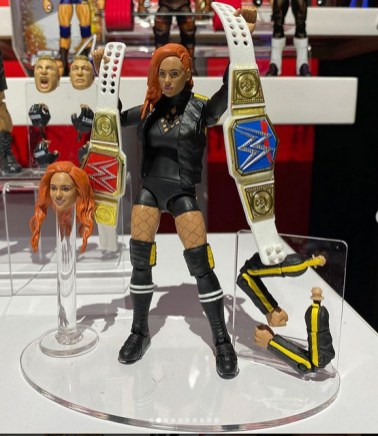 toy fair 2020 - wwe ultimate edition 5 - becky lynch