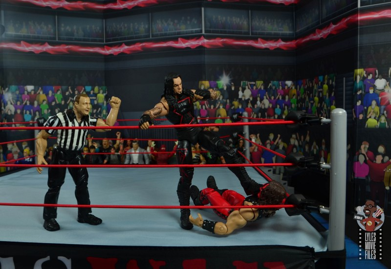 wwe hall of champions undertaker figure review - kicking kane in the corner
