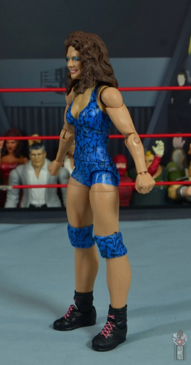 wwe network spotlight wendi richter figure review - left side