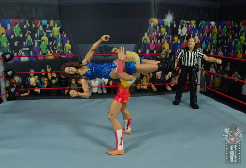 wwe network spotlight wendi richter figure review - leg scissors to medusa