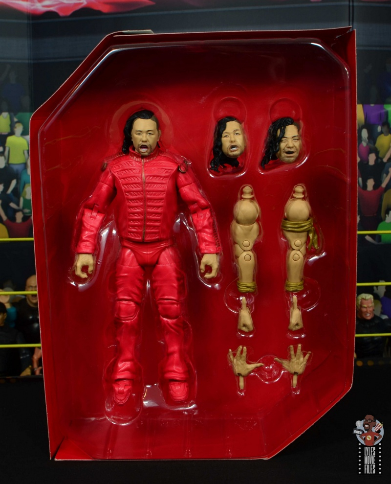 wwe ultimate edition shinsuke nakamura figure review - accessories in tray