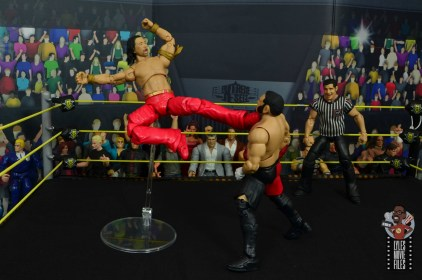 wwe ultimate edition shinsuke nakamura figure review - single leg dropkick to samoa joe