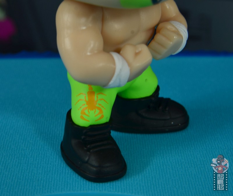 funko pop sting and lex luger fye exclusive figure set review - sting scorpion close up