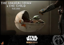 hot toys the mandalorian and the child deluxe figure set - crib detail