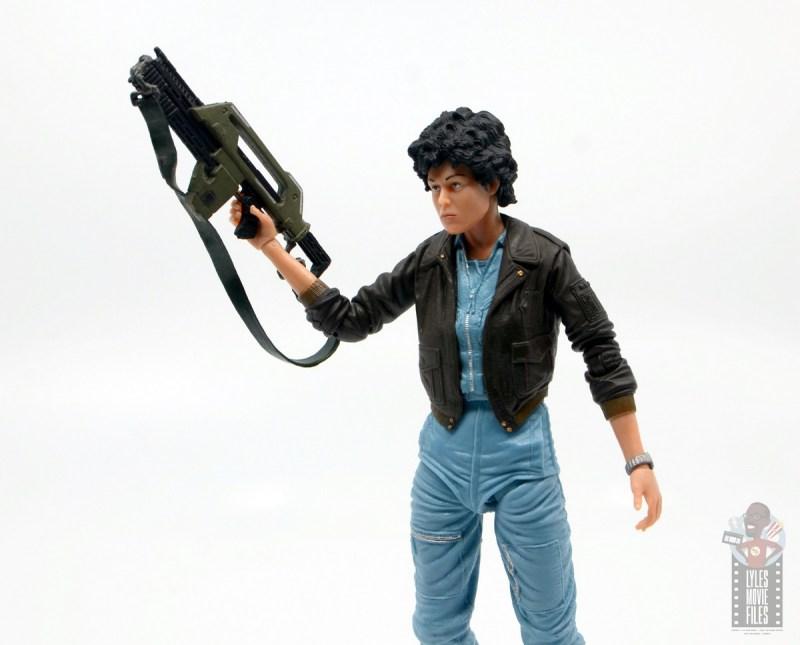 neca aliens ripley bomber jacket figure review - raising rifle
