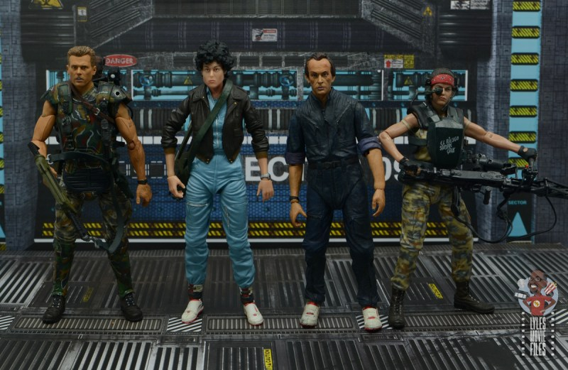 neca aliens ripley bomber jacket figure review - scale with hicks, bishop and vasquez