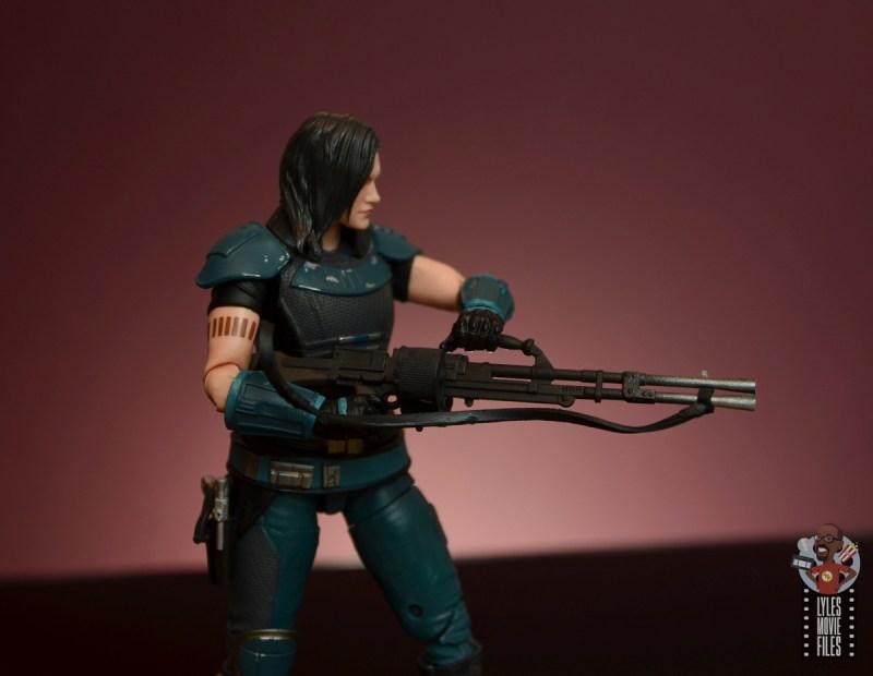 star wars the black series cara dune figure review - holding machine gun blaster