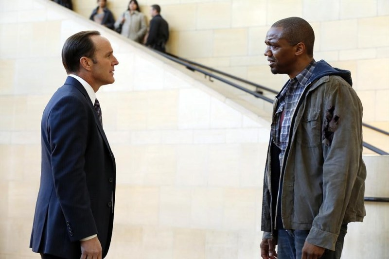 agents-of-shield-pilot-review-agent-coulson-and-mike