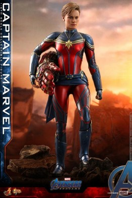 hot toys avengers endgame captain marvel - standing on rock
