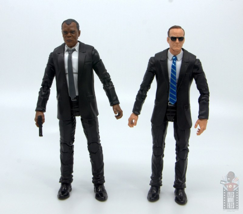 marvel legends captain marvel nick fury figure review - scale with agent coulson