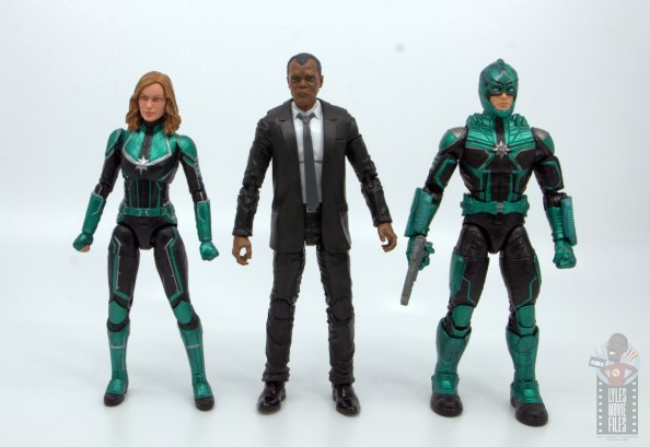 marvel legends captain marvel nick fury figure review - scale with captain marvel and yon-rogg
