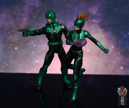 marvel legends starforce captain marvel figure review - going into battle with yon-rogg