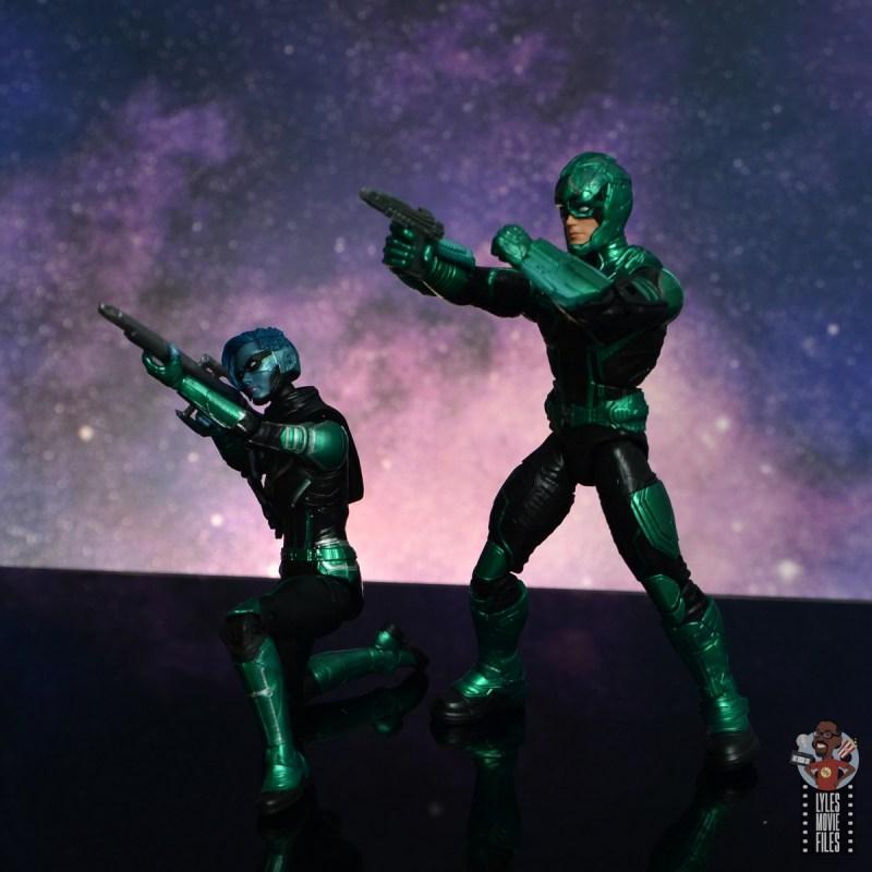 marvel legends starforce captain marvel figure review - minn-erva and yon-rogg aiming