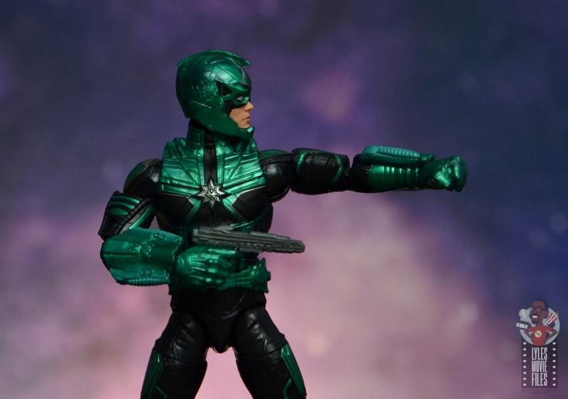 marvel legends yon-rogg figure review - aiming gun