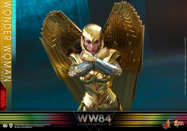 hot Toys Wonder Woman 1984 golden armor figure -arms crossed