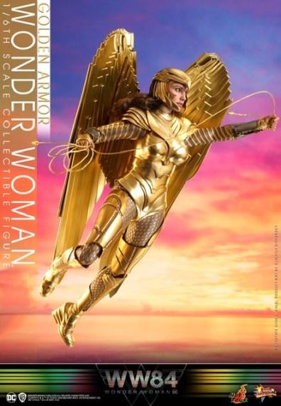 hot Toys Wonder Woman 1984 golden armor figure -flying