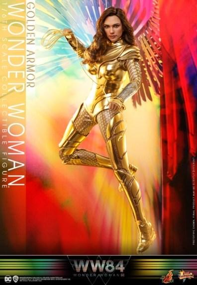 hot Toys Wonder Woman 1984 golden armor figure -side detail