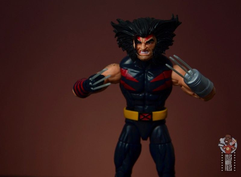 marvel legends age of apocalypse weapon x figure review - both claws up