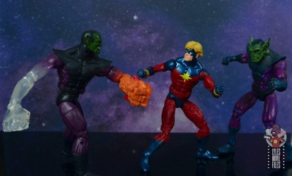 marvel legends mar-vell figure review - tangling with super skrull and skrull
