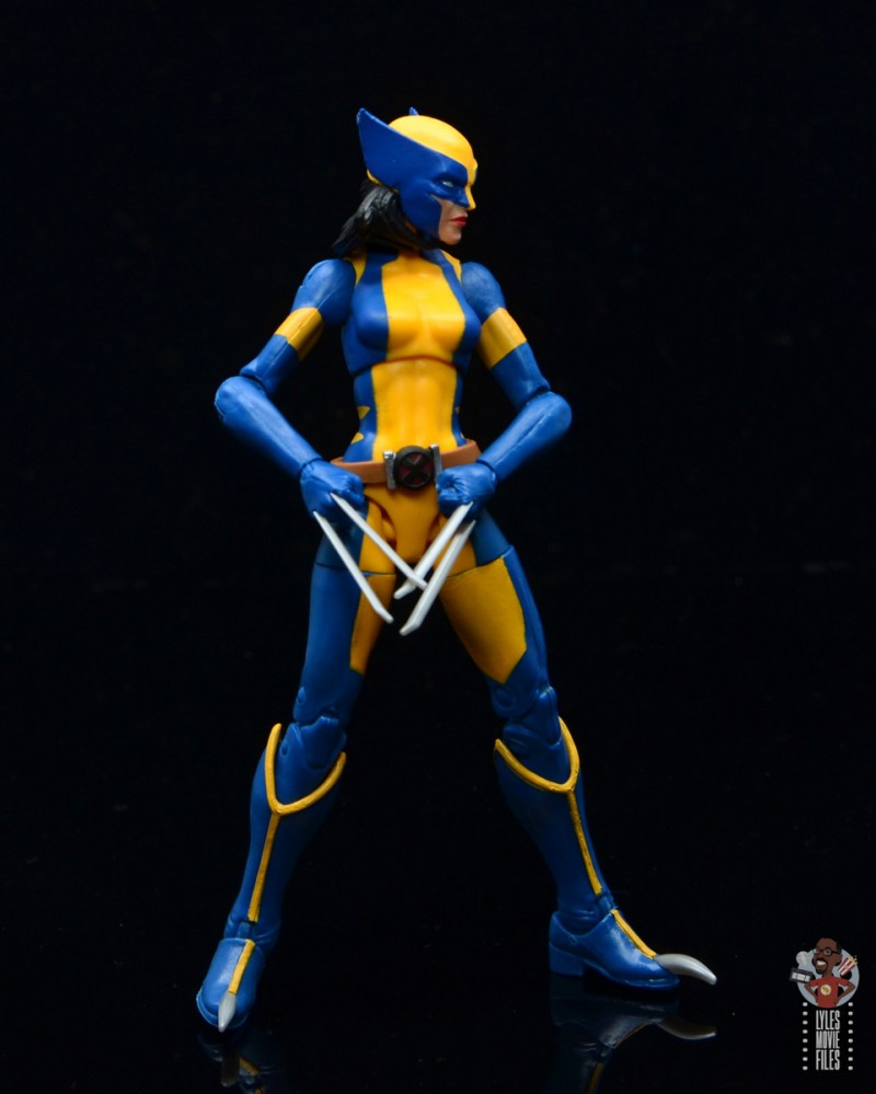 marvel legends wolverine figure review - turning to the side