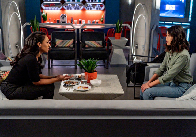 the flash pay the piper review - iris and kamila