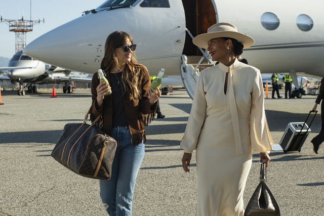 the high note review - dakota johnson and tracee elilis ross