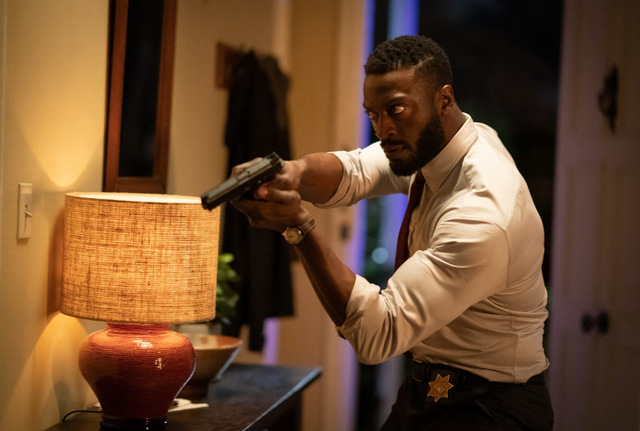 the invisible man movie review - aldis hodge